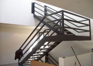 cầu thang sắt hiện đại 0