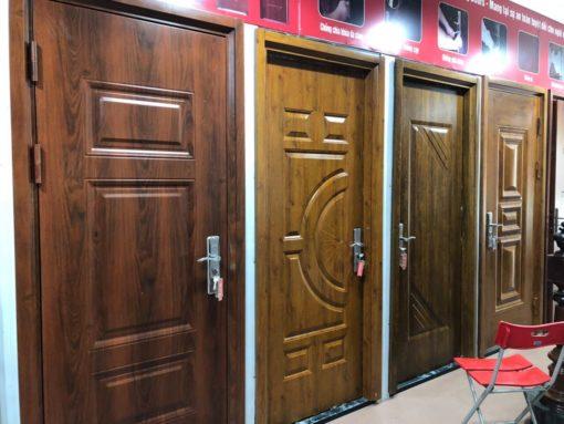 cửa sắt giả gỗ 5