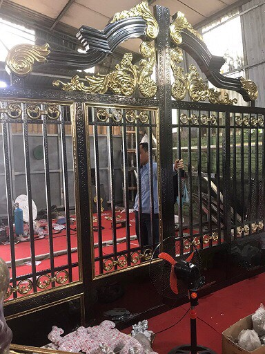 mẫu cổng inox đẹp 100
