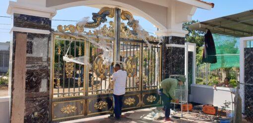 mẫu cổng inox đẹp 105