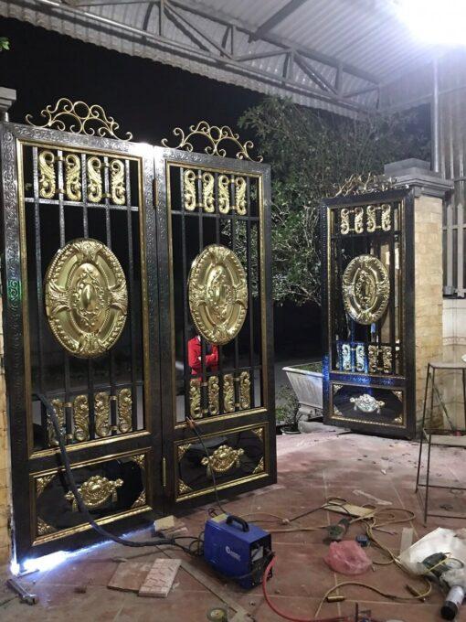 mẫu cổng inox đẹp 106