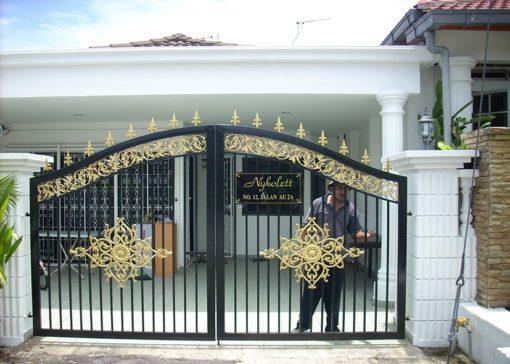 mẫu cổng inox đẹp 88
