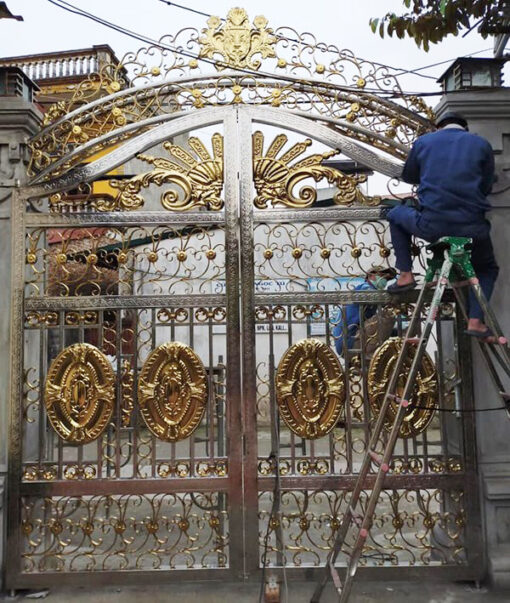 cổng inox mạ màu đẹp 11